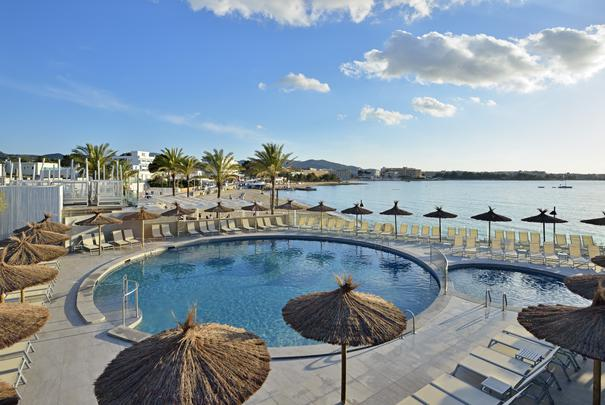 Swimming pool Alua Hawaii Ibiza Hotel San Antonio